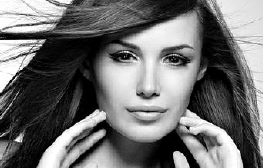 photogenic woman